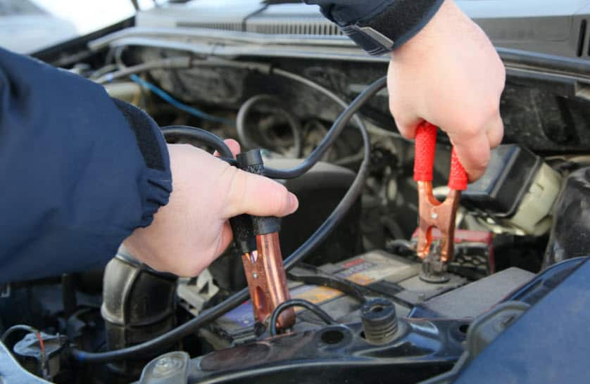 Jumpstart-Your-Car-Safely-Dead-Car-Battery