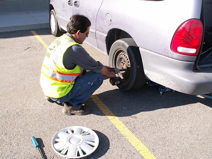 flat-tire-houston-assistance
